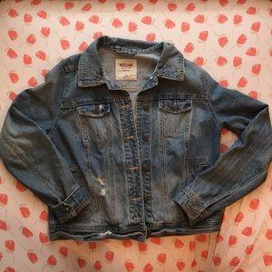 Cute jean jacket!!